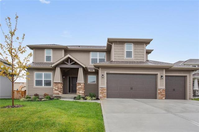 18987 W 167th Terrace, Olathe, KS 66062 (#2135132) :: Team Real Estate