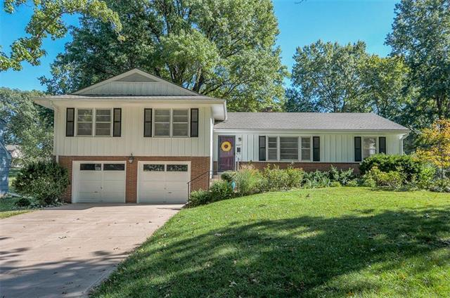8017 Tomahawk Road, Prairie Village, KS 66208 (#2135134) :: Team Real Estate