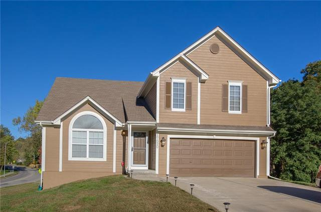17520 E 36TH STREET Court, Independence, MO 64055 (#2135137) :: Team Real Estate