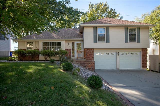 7114 Long Avenue, Shawnee, KS 66216 (#2135191) :: Team Real Estate