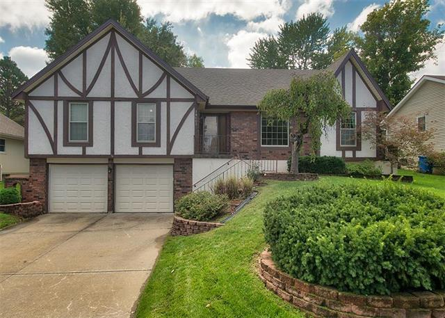 18605 E 28th Street, Independence, MO 64057 (#2135219) :: Team Real Estate