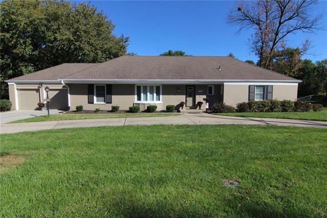 9001 Mission Road, Leawood, KS 66206 (#2135222) :: Edie Waters Network