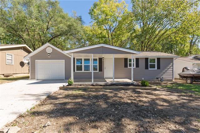 327 Woods Avenue, Excelsior Springs, MO 64024 (#2135272) :: The Shannon Lyon Group - ReeceNichols