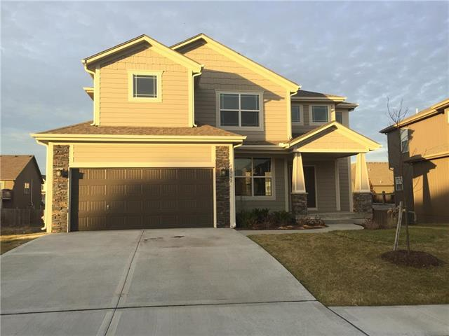 18907 W 167th Terrace, Olathe, KS 66062 (#2135459) :: Edie Waters Network
