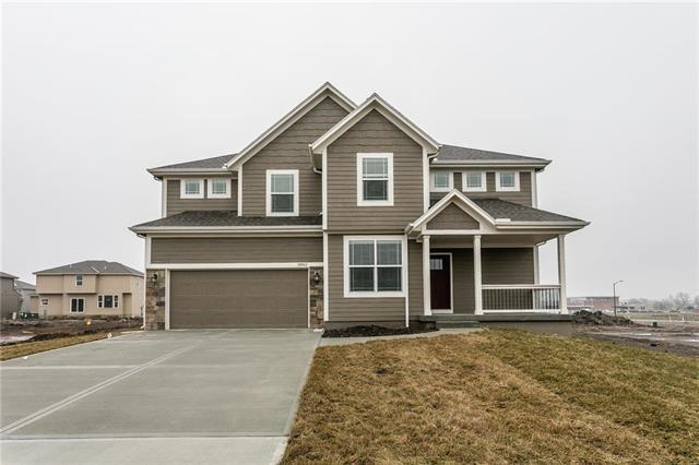 16772 S Skyview Lane, Olathe, KS 66062 (#2135462) :: Edie Waters Network