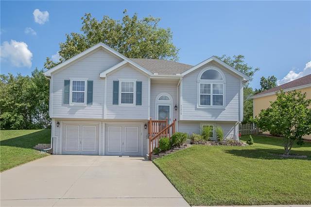 11315 N Lewis Avenue, Kansas City, MO 64157 (#2135466) :: Team Real Estate