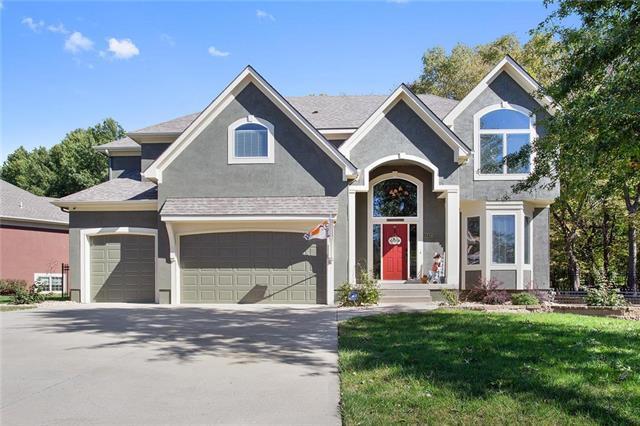 1805 NE Goshawk Court, Blue Springs, MO 64014 (#2135499) :: Team Real Estate
