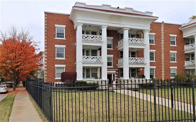 400 E 43RD #1W Street 1W, Kansas City, MO 64110 (#2135632) :: No Borders Real Estate