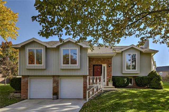 8601 N Virginia Avenue, Kansas City, MO 64155 (#2135736) :: Edie Waters Network