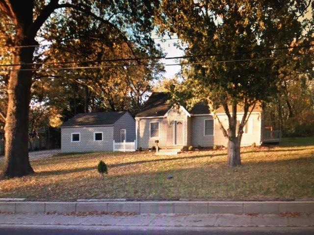 5912 W 75th Street, Mission Hills, KS 66208 (#2135899) :: Char MacCallum Real Estate Group