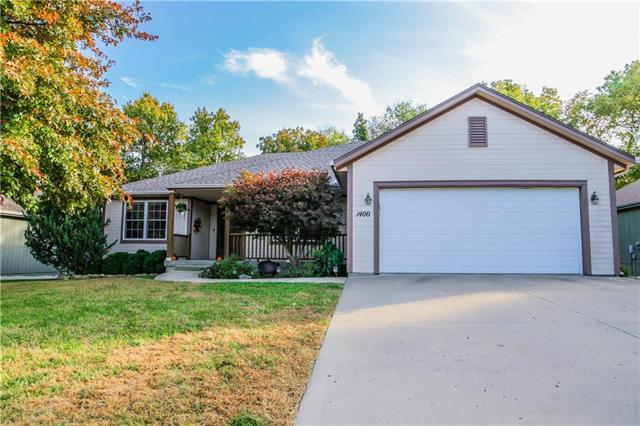 1400 Cottonwood Avenue, Pleasant Hill, MO 64080 (#2135900) :: No Borders Real Estate