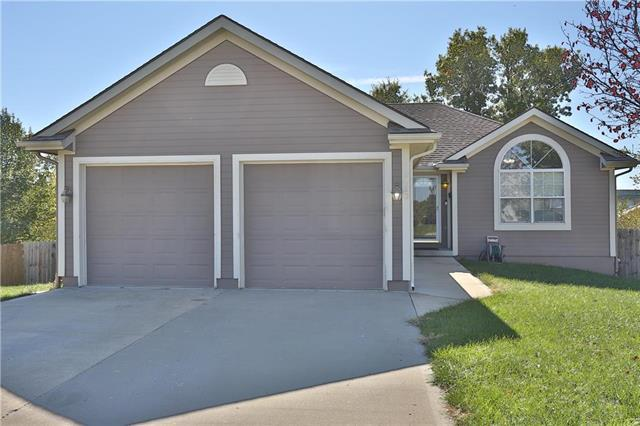 1410 NW Madison Court, Grain Valley, MO 64029 (#2135959) :: The Shannon Lyon Group - ReeceNichols