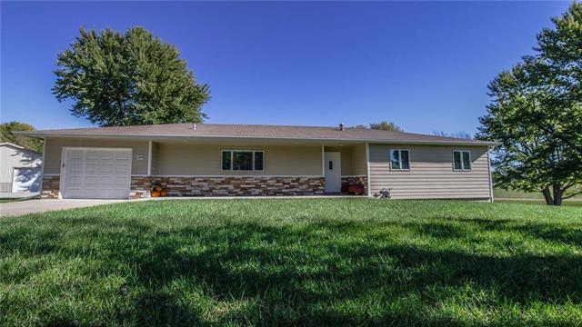 104 N Oak Street, Nortonville, KS 66060 (#2136037) :: No Borders Real Estate