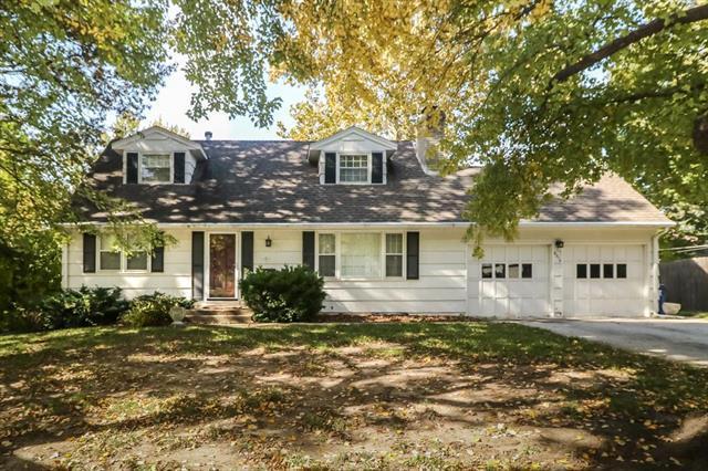 9310 Mackey Street, Overland Park, KS 66212 (#2136189) :: No Borders Real Estate