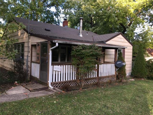 10202 E Sheley Road, Independence, MO 64052 (#2136191) :: Edie Waters Network
