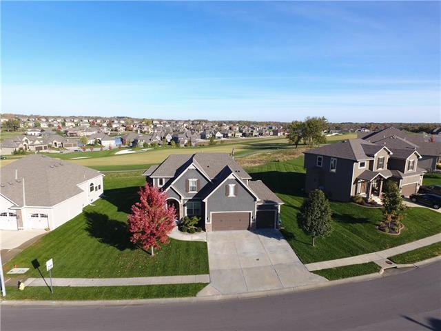 1202 Creekmoor Drive, Raymore, MO 64083 (#2136228) :: Char MacCallum Real Estate Group
