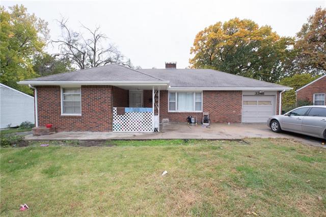 3346 N 53rd Terrace, Kansas City, KS 66104 (#2136242) :: Edie Waters Network