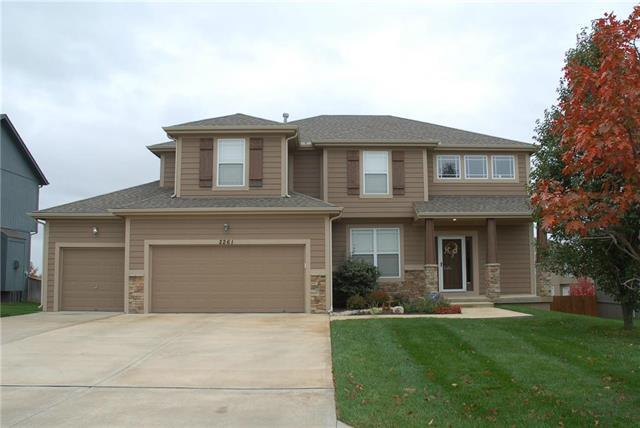2261 W Concord Drive, Olathe, KS 66061 (#2136369) :: Team Real Estate