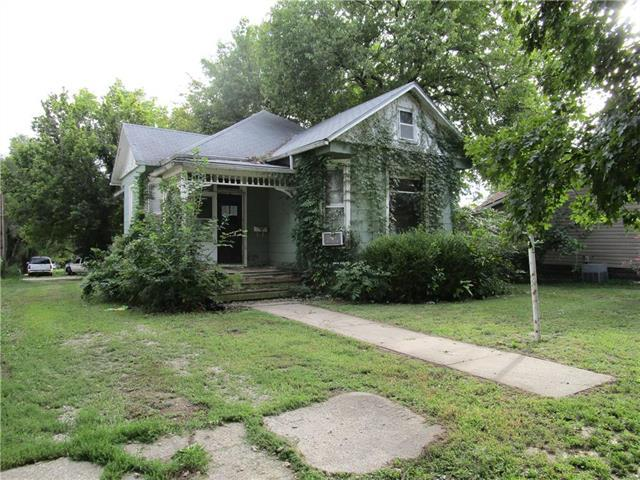 307 W Wea Street, Paola, KS 66071 (#2136488) :: No Borders Real Estate