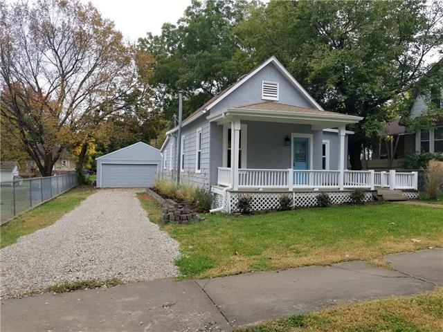 7 E Chippewa Street, Paola, KS 66071 (#2136513) :: Edie Waters Network