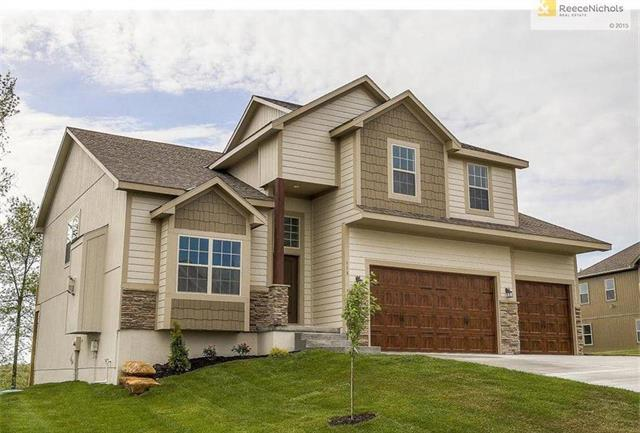 11702 Heritage Drive, Peculiar, MO 64078 (#2136570) :: Char MacCallum Real Estate Group