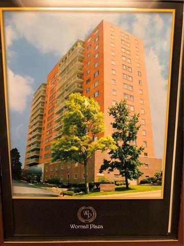 310 W 49th Street  #802 N/A, Kansas City, MO 64112 (#2136582) :: Team Real Estate