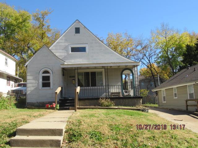 3811 Monroe Avenue, Kansas City, MO 64128 (#2136634) :: Edie Waters Network