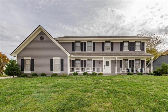 3913 NE Clearbrook Drive, Lee's Summit, MO 64064 (#2136871) :: No Borders Real Estate