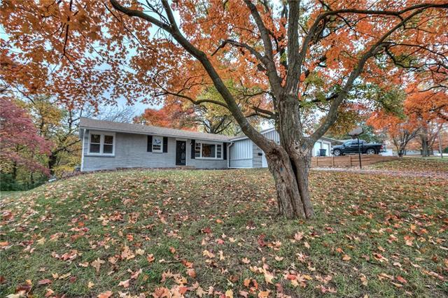 6711 N Wyandotte Street, Gladstone, MO 64118 (#2136912) :: Kansas City Homes