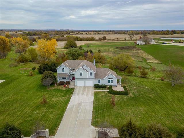 22045 Nall Road, Bucyrus, KS 66013 (#2136949) :: Kansas City Homes