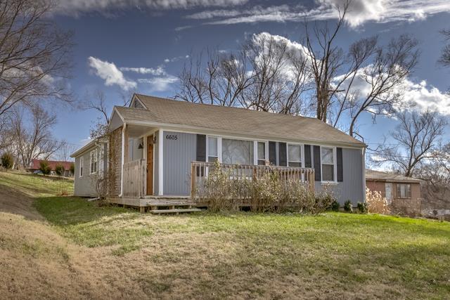 6605 N Edison Avenue, Kansas City, MO 64151 (#2137040) :: No Borders Real Estate