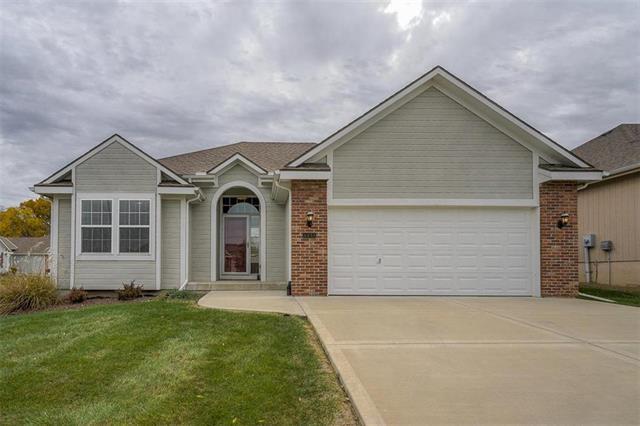 4433 NE 71st Terrace, Kansas City, MO 64119 (#2137099) :: No Borders Real Estate