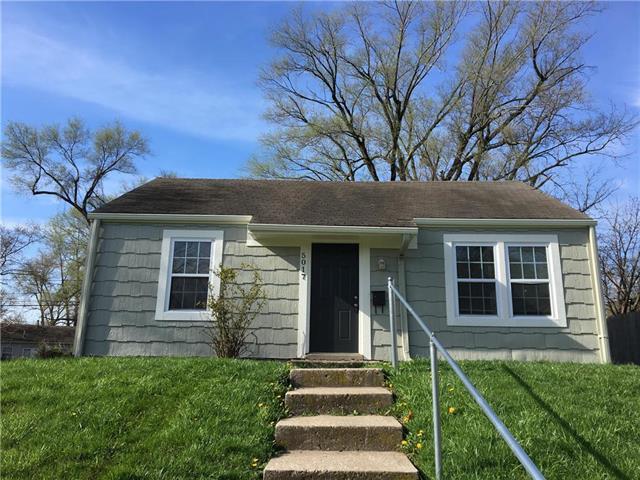 5017 Forest Avenue, Kansas City, KS 66106 (#2137108) :: Edie Waters Network