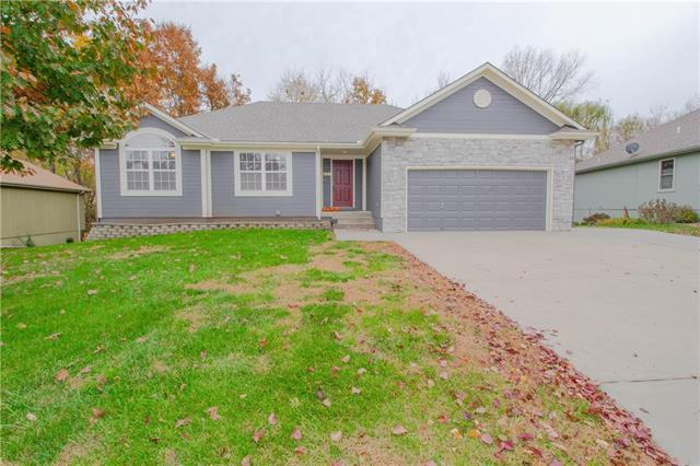 1318 Cottonwood Avenue, Pleasant Hill, MO 64080 (#2137197) :: No Borders Real Estate