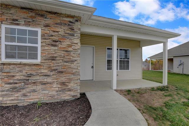2311 N 113th Street, Kansas City, KS 66109 (#2137292) :: No Borders Real Estate