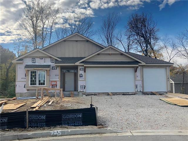 725 Riverwood Drive, Liberty, MO 64068 (#2137452) :: No Borders Real Estate