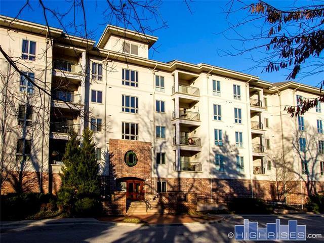 4949 Wornall Road #206, Kansas City, MO 64112 (#2137466) :: No Borders Real Estate