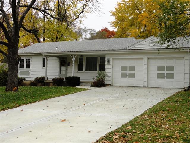 10812 W 56 Terrace, Shawnee, KS 66203 (#2137539) :: Kedish Realty Group at Keller Williams Realty