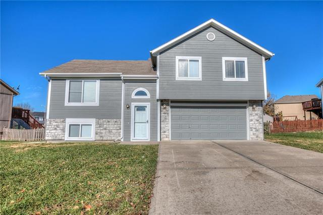 8916 NE 114th Terrace, Kansas City, MO 64157 (#2137964) :: Edie Waters Network