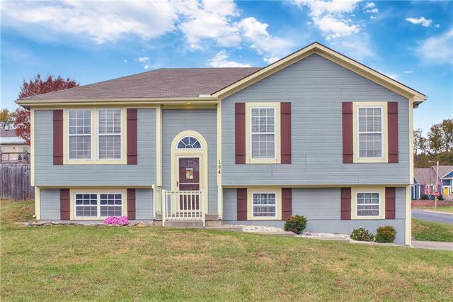 104 Lela Lane, Buckner, MO 64016 (#2137977) :: Team Real Estate