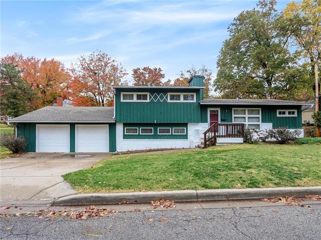 5200 57th Street, Roeland Park, KS 66205 (#2138063) :: Char MacCallum Real Estate Group