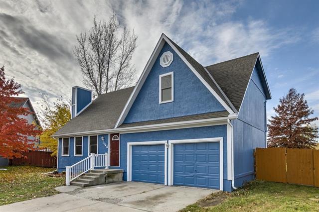 1125 E Butterfield Place, Olathe, KS 66062 (#2138170) :: No Borders Real Estate