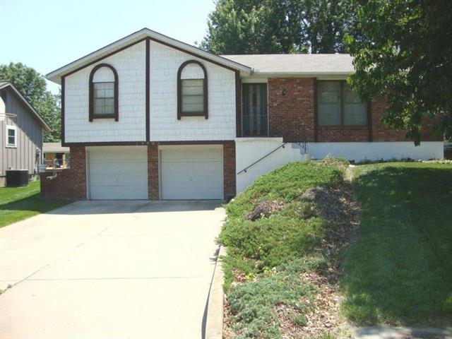 19905 E Millhaven Street, Independence, MO 64056 (#2138179) :: Edie Waters Network
