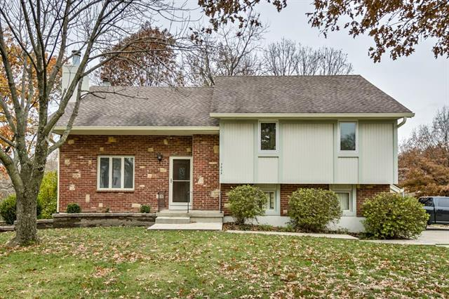 7809 NW 70th Street, Kansas City, MO 64152 (#2138244) :: No Borders Real Estate