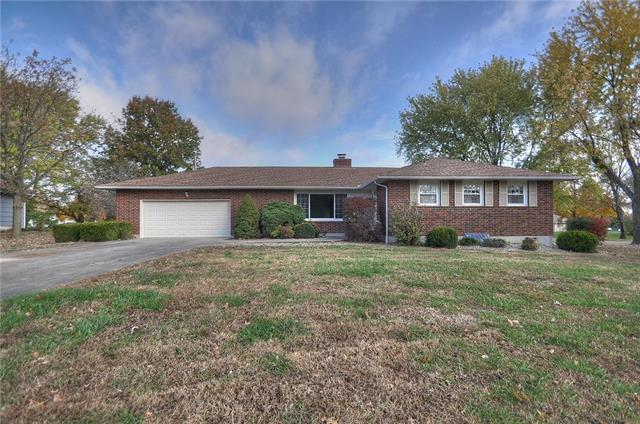 202 W Oak Street, Archie, MO 64725 (#2138280) :: House of Couse Group