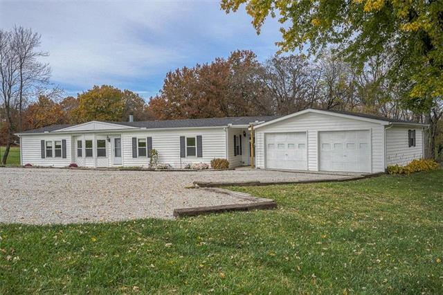 4650 SE 200th Street, Holt, MO 64048 (#2138281) :: Edie Waters Network