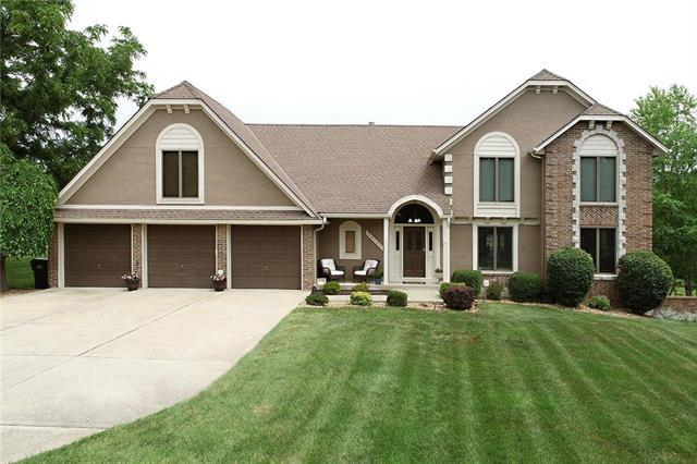 25700 Timber Meadows Drive, Lee's Summit, MO 64086 (#2138295) :: The Shannon Lyon Group - ReeceNichols