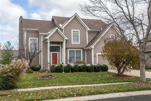 10103 Sunset Drive, Lenexa, KS 66220 (#2138491) :: No Borders Real Estate