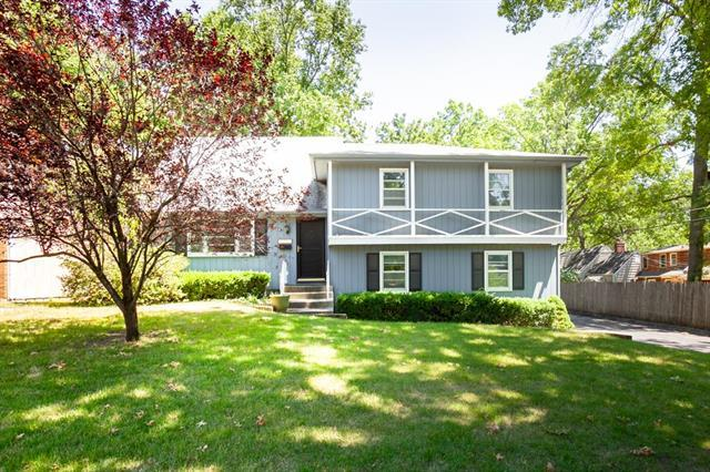 5247 El Monte Street, Roeland Park, KS 66205 (#2138507) :: House of Couse Group