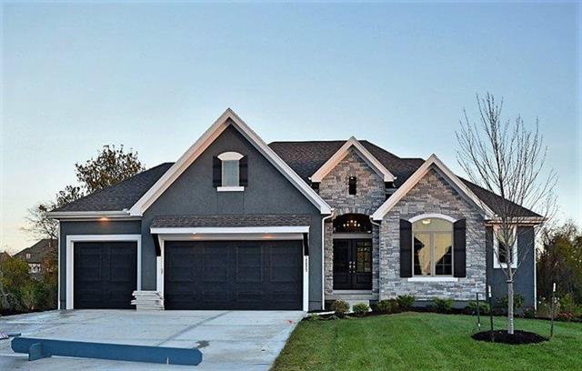 9292 Brownridge Street, Lenexa, KS 66220 (#2138560) :: Char MacCallum Real Estate Group